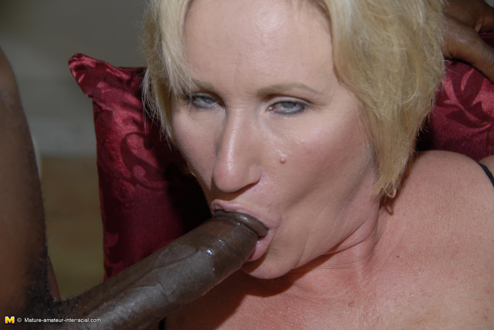 Mature Blonde Amateur Enjoying Some Cock