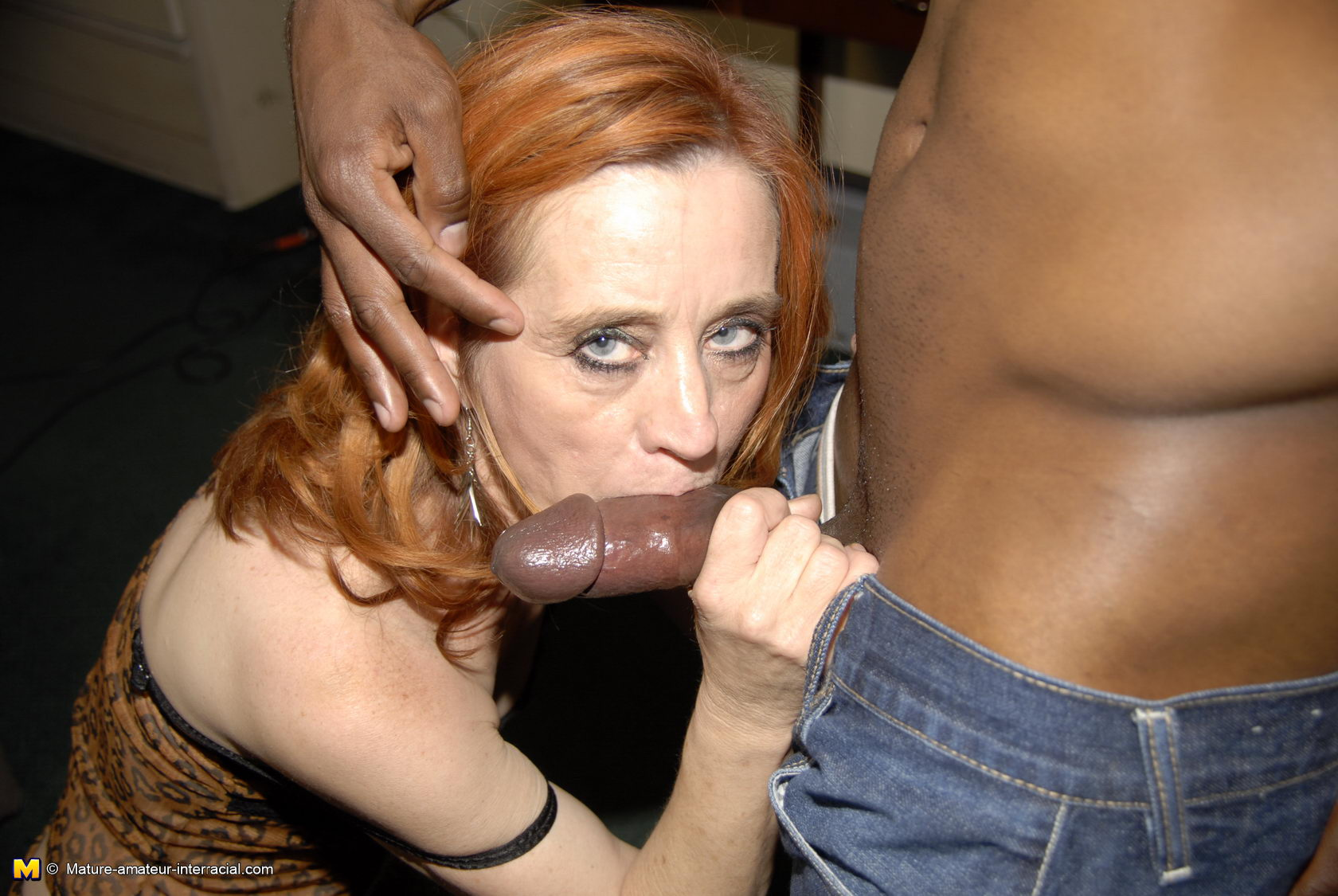 A black slut with a nice round ass gets turned around and ass banged 5